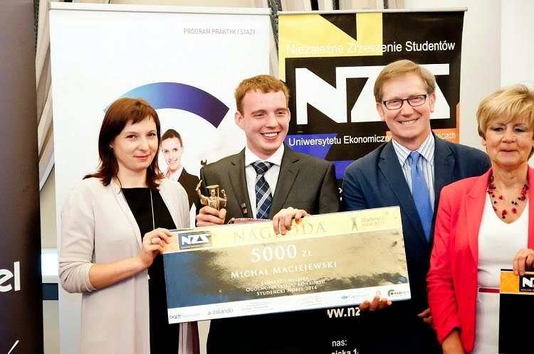 The PAII intern selected the best student in Poland