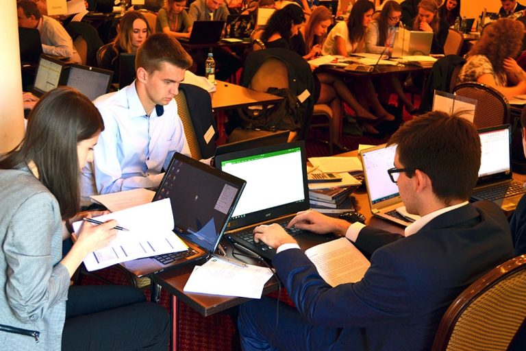 "Students from Kraków and Wrocław best in the ""Entrepreneurship, Finance and Management"" competition"