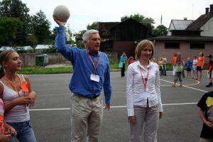 """Professor Jerzy Buzek participated in the """"PROJECTOR - student volunteers"""" Program."""