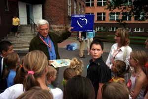 "Professor Jerzy Buzek participated in the ""PROJECTOR - student volunteers"" Program."