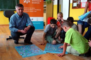 "Professor Marek Belka participated in the ""PROJECTOR - student volunteers"" Program."