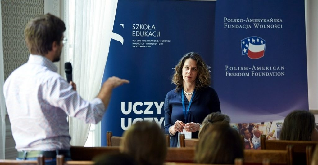 Experts debated on education